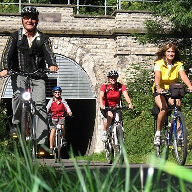 Bahnradweg  Hessen... Auf Bahntrassen quer durch Hessen radeln